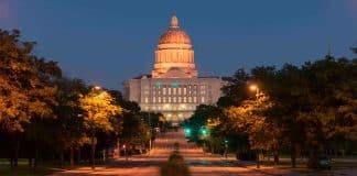 Henry Martin, aspirante al Congreso por Missouri, apoya el vapeo