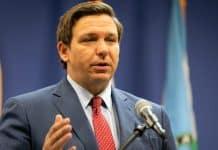 Gobernador de Florida veta ley que prohibía líquidos saborizados