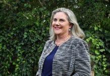 Senadora australiana deja de fumar gracias al vapeo